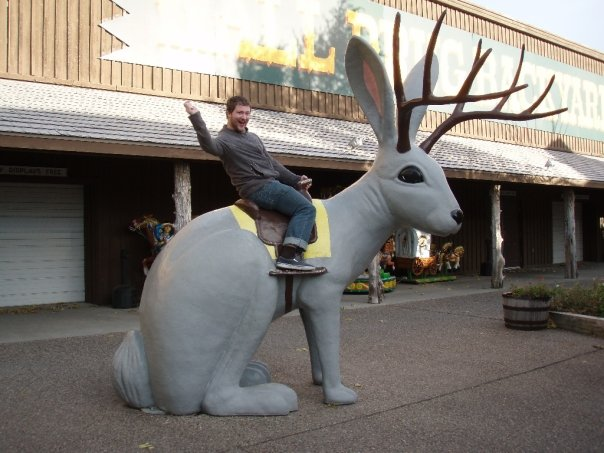 Jackalope statue outside Wall Drug in Wall, SD. (Mbailey: https://commons.wikimedia.org/wiki/File:Wall_drug_jackalope.jpg)