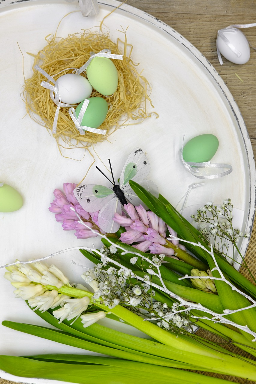 Spring flowers and eggs https://pixabay.com/en/easter-eggs-egg-nest-easter-nest-3257580/