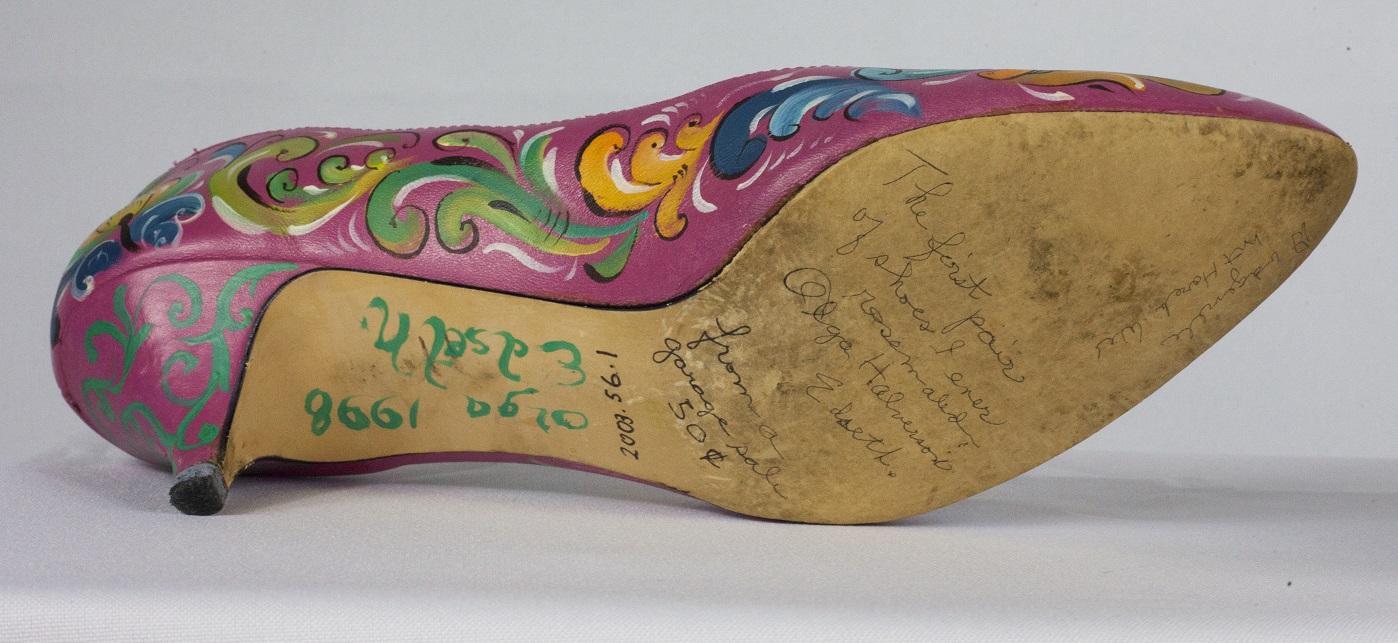 Olga Edseth's handwriting on sole of the right shoe. Courtesy Mount Horeb Area Historical Society