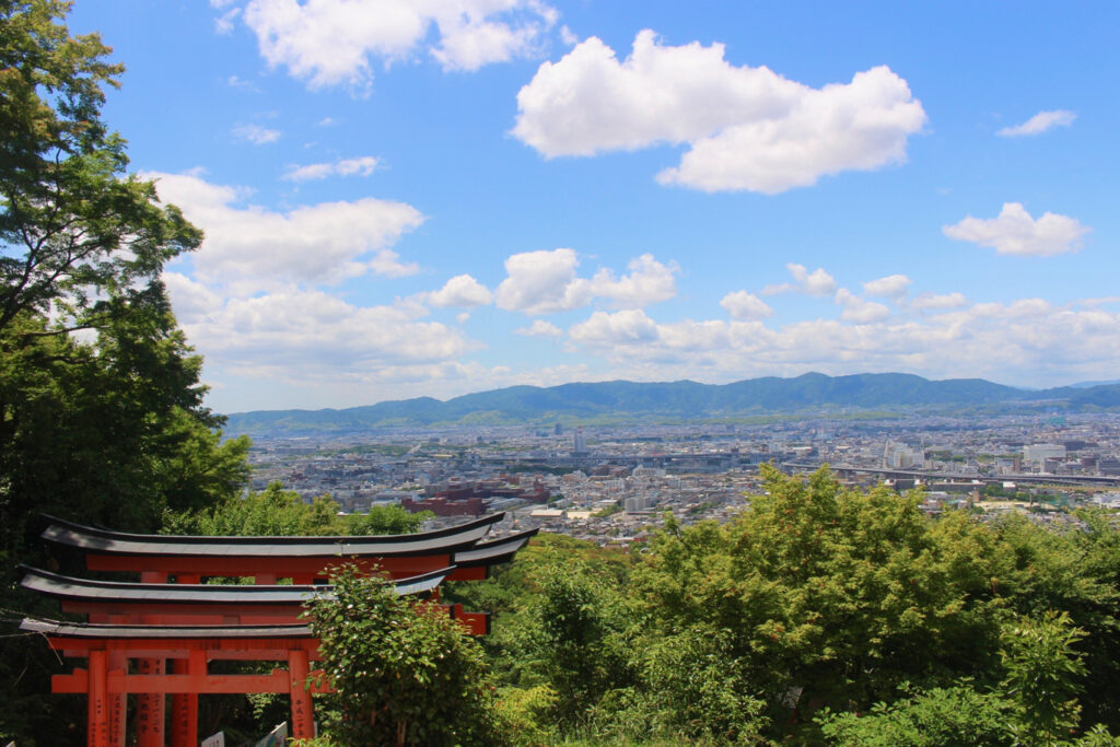 View of Kyoto from the Yotsutsuji intersection, approximately halfway up Mount Inari © Amelia Starling