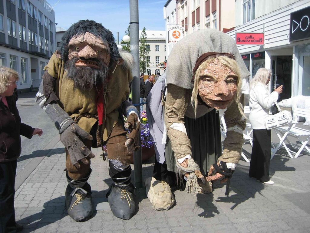 Figures of Grýla and Leppalúði on the main street of Akureyri, Iceland. By David Stanley from Nanaimo, Canada - Folklore Figures, Akureyri, CC BY 2.0, https://commons.wikimedia.org/w/index.php?curid=24201042