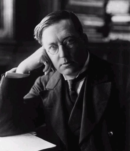M. R. James, c. 1900 Source https://en.wikipedia.org/wiki/M._R._James#/media/File:MRJames1900.jpg
