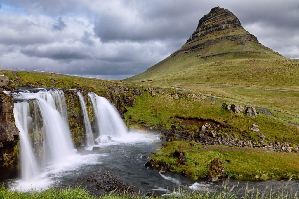 Grundafjördur – Kirkjufell Mountain by MustangJoe Source https://pixabay.com/photos/grundarfjörður-kirkjufell-mountain-3516524/