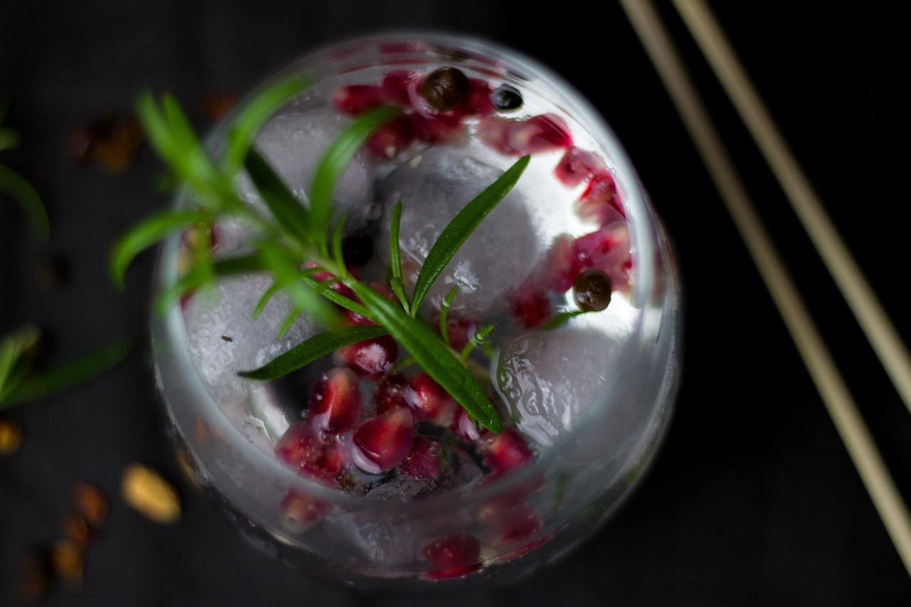 Gin image by Bernadette Wurzinger from Pixabay https://pixabay.com/photos/cocktail-drink-alcohol-ice-cubes-2098458/