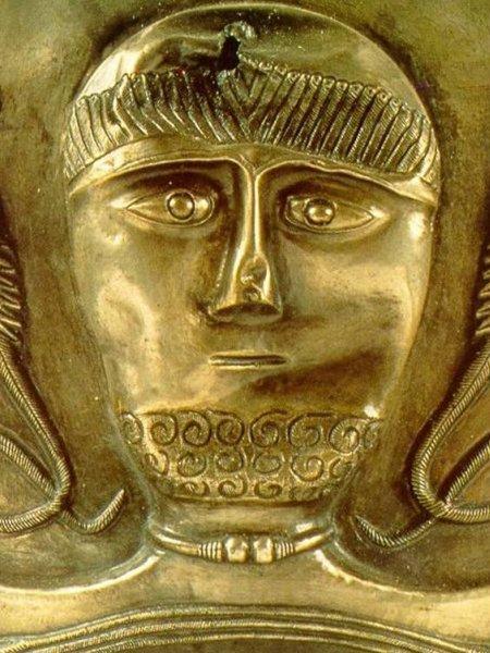 Image from the Gundestrup cauldron – Public domain. https://commons.wikimedia.org/wiki/File:Gundestrup_Cauldron,_Copenhagen.jpg
